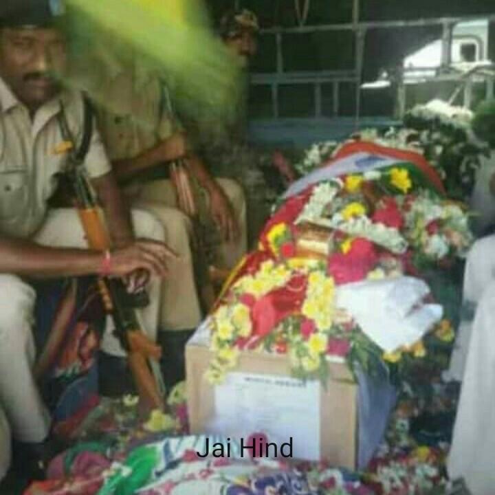 ಸೈನಿಕ - Jai Hind - ShareChat