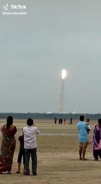 🛰️ चंद्रयान 2 हुआ लॉन्च - ShareChat