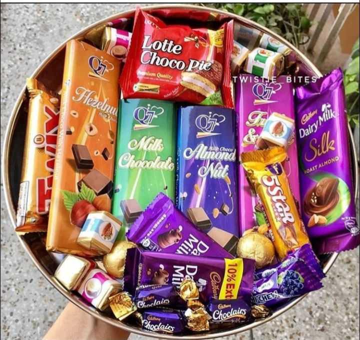chocolate lovers 😘😍🍫👯 - Lotte Choco Pie on Quality TWISTE BITES Hezelnu Dairy Mith Milk Chocolate Armond 1 . ut Silk ACAST ALMOND 25Star MIN Cadoury 10 % Ext CHE Choclairs G C Choclairs Chocairy - ShareChat