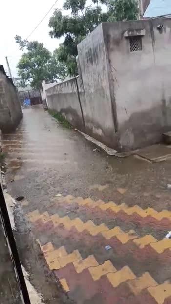 🤷♂️ વરસાદમાં બાળ રમત - ShareChat