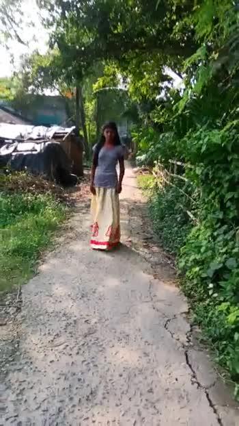 আমার রাম্প ওয়াক 🚶🏻♀️ - ShareChat