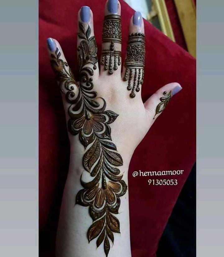 🌼ਮੇਹੰਦੀ ਡਿਜ਼ਾਇਨ - @ hennaamoor 91305053 - ShareChat