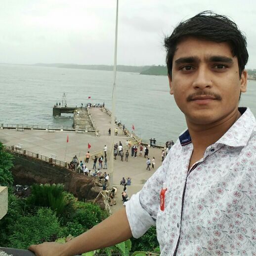 vivek - Author on ShareChat: Funny, Romantic, Videos, Shayaris, Quotes