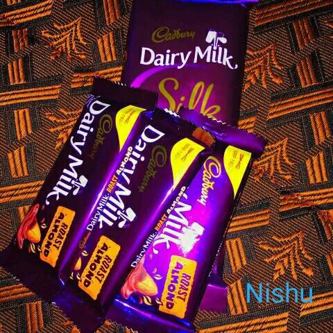 👘 ഫാഷൻ സ്റ്റാർ - nŲSIN ) Cadbury Cadbury yo Dairy Milk Milk , ROAST ALMOND Cadouri airVVN V ISTOU 211 W Cadbury Dairy Milk ALMOND ROAST ALMON jeg ROAST VO - ShareChat