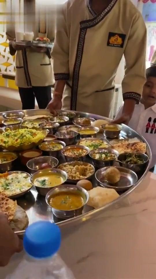 శ భ క క షల Full Meals 1000 In Bangalore Sushma Grand Hotel Near Hebbal శ భ క క షల Video J Jagadish Sharechat Funny Romantic Videos Shayari Quotes