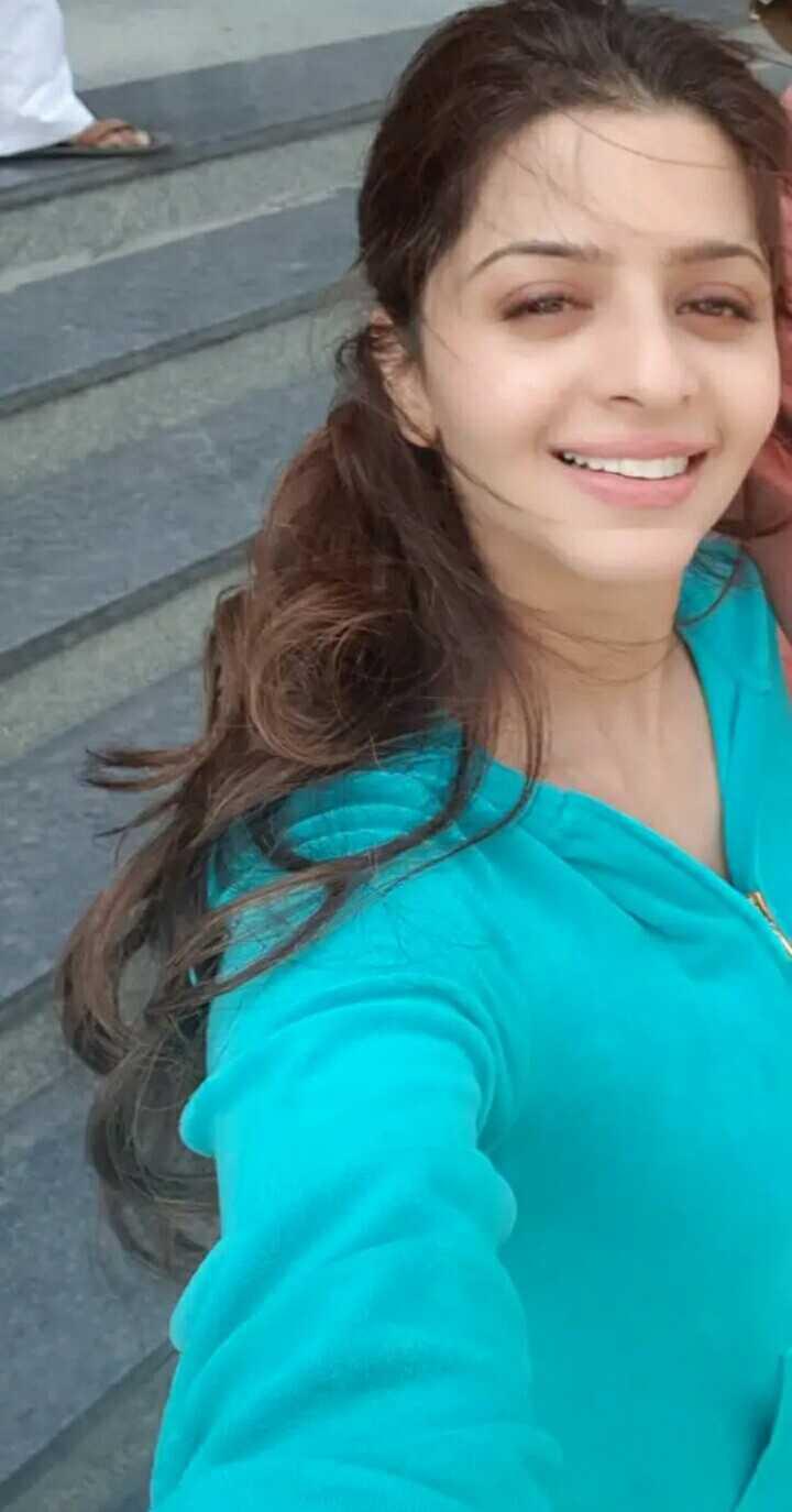 hot actress - ShareChat