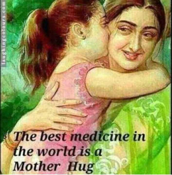 meri maa 😍😚 - Laughingcolours . com The best medicine in the world is a Mother Hug - ShareChat