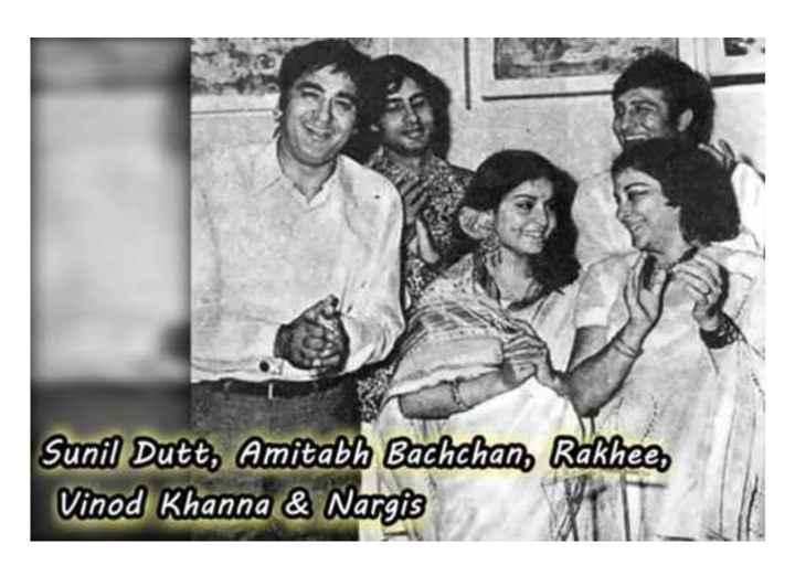 old is gold - Sunil Dutt , Amitabh Bachchan , Rakheen Vinod Khanna & Nargis - ShareChat