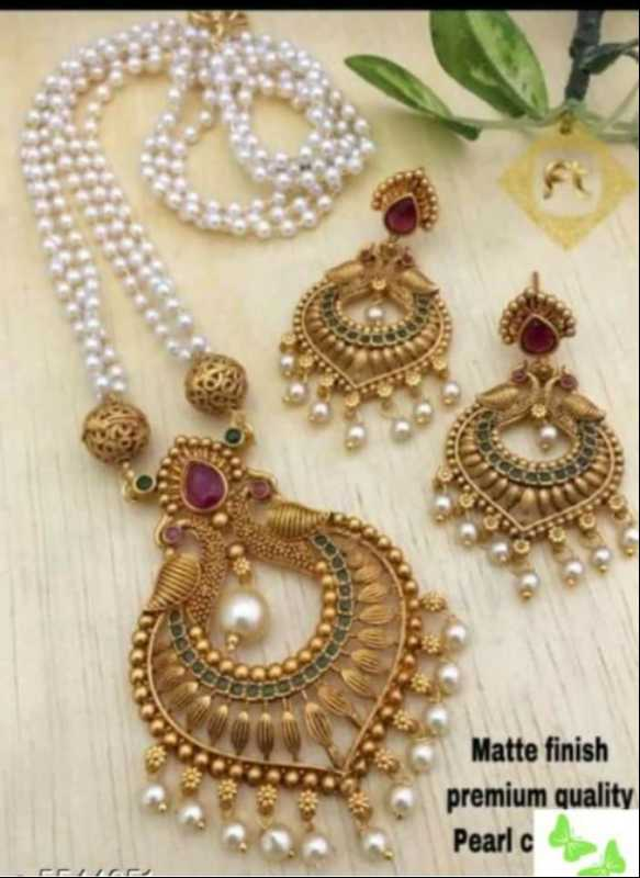 ⌚ watches & purses - Matte finish premium quality Pearl c - ShareChat
